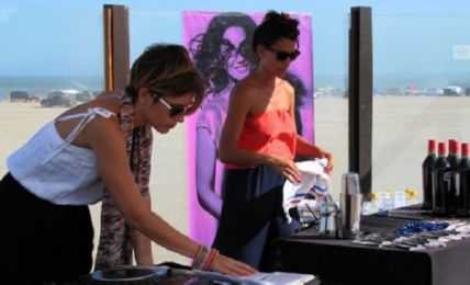 SRZ + MONA GALLOSI @ FRESH ARENA BEACH